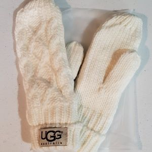 UGG Australia Hat and Mittens set